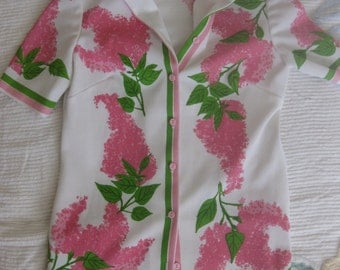 Vera Neumann Size 8 White Button Front Blouse with Pink Flowers