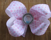 2660 pink and white snowflake boutique bow with Frozen bottlecap