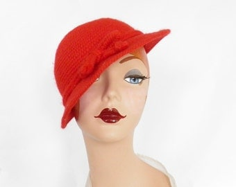 Vintage tilt hat, red Everitt cap, 1950s