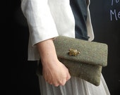 woolen purse pochette wool tweed green removable golden light chain party celebration anniversary little clutch turtle brooch
