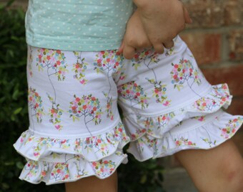 12.99 SALE Ivory with small flowers knit double ruffle shorts shorties bloomers sizes 12m - 14 girls