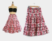 50s NOVELTY Print SKIRT / 1950s Pink & Gray PEOPLE and Animals Print Full Skirt S - M