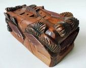 Deep Carved Wood Trinket Box High Relief Village El Salvador Taller Del Carpintero Vintage