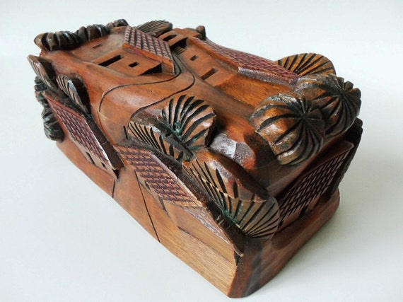 Deep carved wood trinket box high relief village el salvador