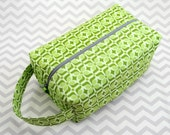 Large Box Bag, Travel Bag or Project Bag With Handle - Green