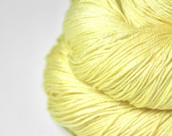 Freshly squeezed lemons - Merino/Silk Fingering Yarn Superwash