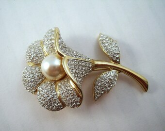 Vintage Flower brooch rhinestone crusted flower pin with pearl center