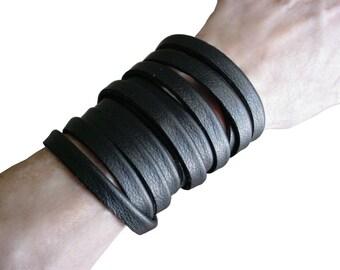 MULTI WRAP BRACELET Leather wrap bracelet Black leather cuff Multi layer bracelet cuff Goth Jewelry Punk Jewelry Minimalist Bracelet Plonge