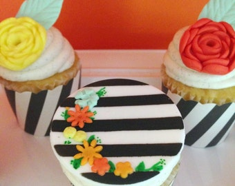 12 Fondant cupcake toppers