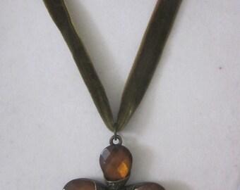TOPAZ / GREEN choker necklace