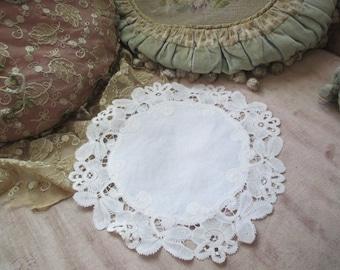 Vintage Brussels Bobbin Lace Doily Ornate White Shabby Chic X26