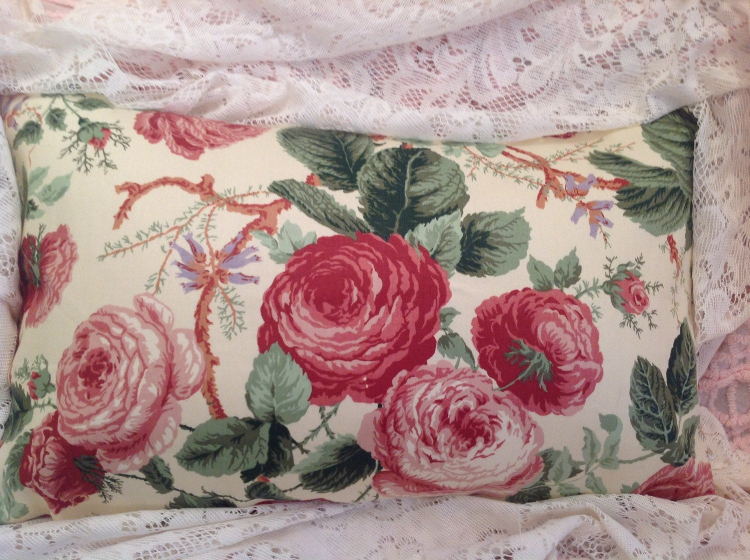 Old roses waverly pillow cover vintage polished cotton chintz for Chintz fabric