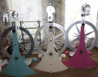 Deluxe // Signature // Classy Spinning Wheel // Production Wheel // National Custom Spinning Works Spinning Wheel