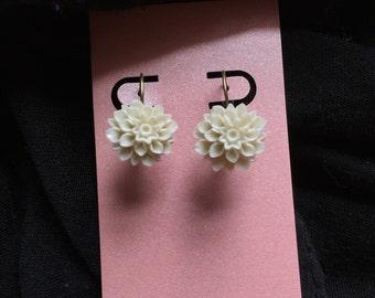 Mums the Word Drop Earrings in Ivory