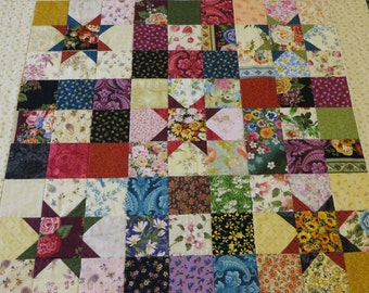 Quick and Easy Quilt Pattern for Pre cut 5 inch squares, Floral vintage inspired star quilt pattern, PDF pattern, Instant download
