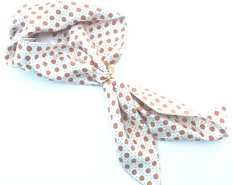 Vintage Caramel Ivory Short Scarf Lulu Guinness Small Neckerchief Geometric Trellis Pattern Gold Tone Charm Designer Silk Dark Orange Salmon