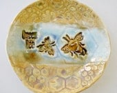 Queen Bee, ring bowl, Honey Bee Ring dish Holder, Honeycomb, Save the Bees, aqua gold, Mother's Day gift, Spoon Rest, Small plate, ring dish