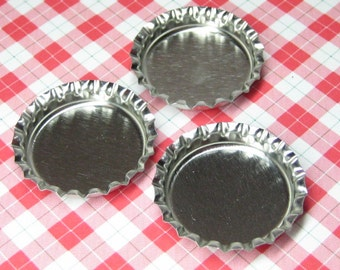 dollhouse miniature pie tins 3pc blank bottle caps silver polymer clay desserts bakery jewelry diy crafts 1:12 scale or 1/6 playscale plates