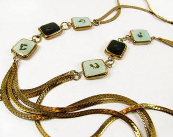 Vintage Mod Necklace, Gold Tone / Vintage Twiggy Necklace - Collier.
