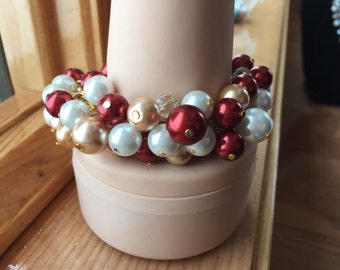 Clustered Pearl bracelet in white red and golden brown