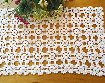 Crocheted Doily Vintage White Large Doilies Centerpiece Lot B234