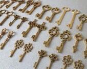 Keys to the Kingdom 100 Gold Skeleton Keys Scrapbooking Key Set Vintage Keys Antique Gold Skeleton Key Bulk Key Set Gold Wedding Favors