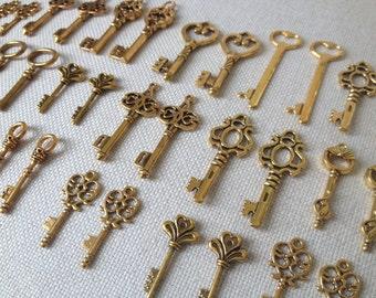 Keys to the Kingdom - Gold Skeleton Keys - 75 x Antique Keys Vintage Keys Antique Gold Skeleton Key Bulk Key Charm Set Gold Wedding Favors