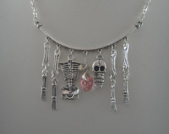 I fall to Pieces necklace