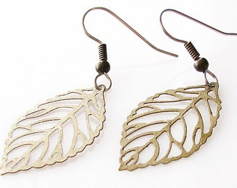 small leaf earrings, bridesmaid gift, rustic wedding jewelry, fall leaf jewelry, nature jewelry, hypoallergenic earrings, for sensitive ears