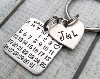 Personalized KeyChain - Personalized Calendar - Save the Date Calendar - Couples Keychain - Wedding Day Anniversary  Mark the Day Calendar