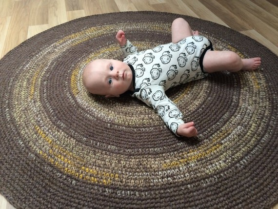 45 inches, Beautiful crochet round rug, melange brown with refreshing color accents