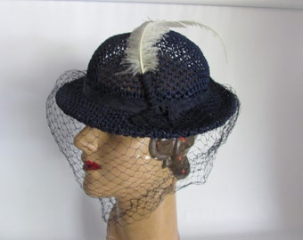 Vintage New York Creation Navy Blue Straw Hat With Blue Net Veil and Ivory Feather, Vintage Straw Hat, Navy  Summer Hat, Vintage Church Hat