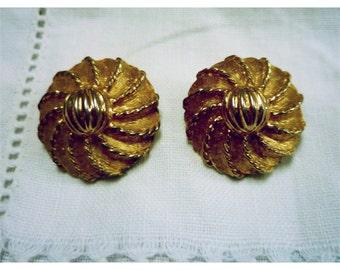 Vintage 1960s Golden Pinwheel Earrings