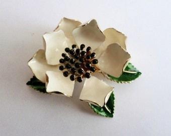 Vintage 1960s White Dogwood Enamel & Metal Flower Brooch