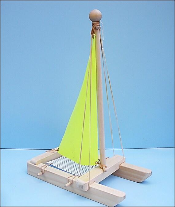 voilier jaune voilier jouet jouet en bois bateau jouet. Black Bedroom Furniture Sets. Home Design Ideas