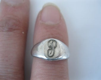 """Antique sterling initial """"p"""" ring"""