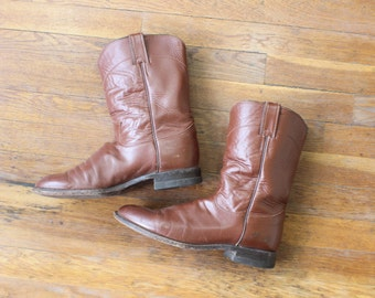 Size 9 Justin Cowboy BOOTS / Men's Leather Roper Boots /Western Burgandy Shoes