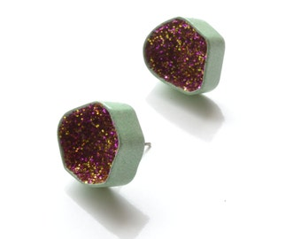 pastel green with magenta and purple glitter, modern geode earrings in made with powdercoated copper and sparkles, handmade in Quebec