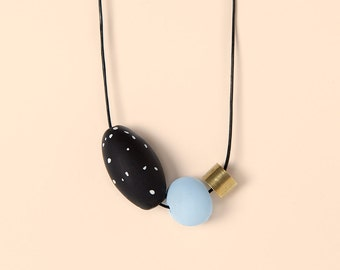 Necklace by Depeapa - Materia#06 -Blue and black