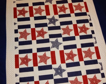 Red White & Blue Stars and Stripes Quilt