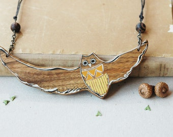 Statement necklace,big owl necklace,wood necklace, wooden bird necklace