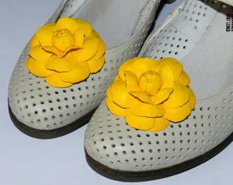 Leather flower Camelia shoe clips, genuine leather flower shoe clips!