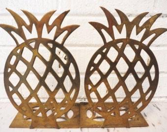 Vintage brass pineapple bookends regency large friendship hospitality island style