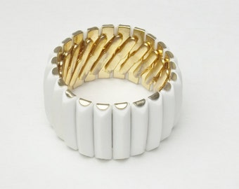White Thermoset Stretch Vintage Cuff Bracelet Costume Jewelry