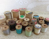 24 Vintage Wood Spools, Vintage wooden thread spools, old wood spools, mixed media, sewing supply, Vintage Spool lot, spool destash, SB5