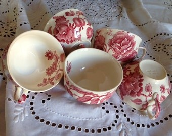 Vintage Red Johnson Brothers English Chippandale Cup set (5)
