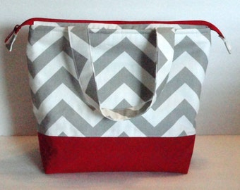 Lunch Bag, Insulated Chevron Print, Womens Lunch Bag, Girls Lunch Bag,  Zipper Top, Made to Order, Choose Your Colors