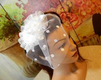 White Wedding Fascinator Bridal Hat Minihat Headpiece Gown