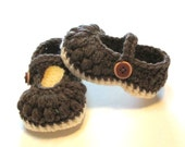 Mary Jane style infant girls crochet baby booties, slippers, crib shoes.  Made to order infant girl baby booties.