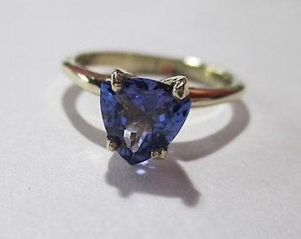 SALE NOS Natural Violet-Blue Tanzanite 1.06 ct VVS 10k yellow gold Solitaire Engagement ring size 6.5 Shop for Weddings or Engagement Now